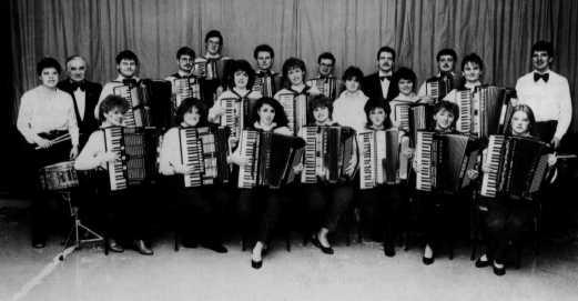 1. Orchester (Leitung: Michael Jocher)